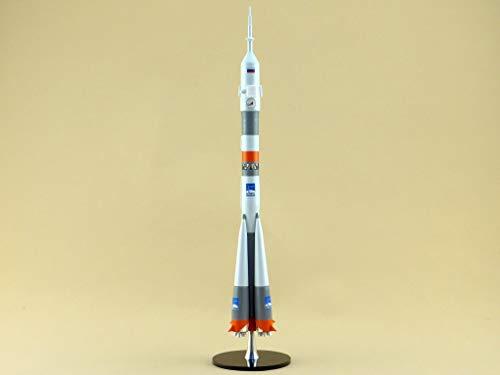 Model of The Carrier Rocket Soyuz Manned (M1:144) ()