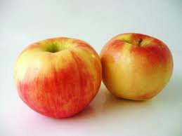 Price comparison product image Fresh Honeycrisp Apples (3lb)