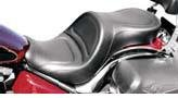 (Saddlemen Explorer Seat for Kawasaki Vulcan 900 Classic)