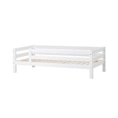 Einzelbett XXL mit 3/4 Absturzsicherung Liegefläche: 90 x 200 cm, Farbe: Weiß, Lattenrost: Standard Rollrost