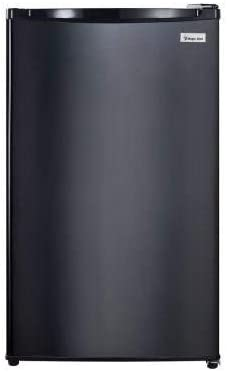 Amazon Com Magic Chef 4 4 Cu Ft Mini Refrigerator Black Kitchen Dining Interior light for easy viewing of stored items. magic chef 4 4 cu ft mini refrigerator black