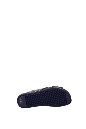 Slippers and clogs Fendi Women - Patent Leather (8X618586B) UK Black zqtAm9