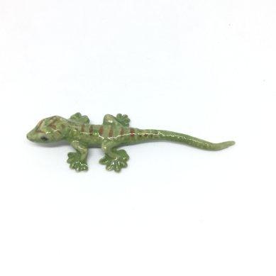 Studio one Handmade Animal Figurine Porcelain Ceramic Lovely mini Green Gecko Collection Best ()