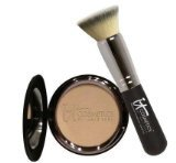 It Cosmetics Celebration Foundation Compact in Light ()