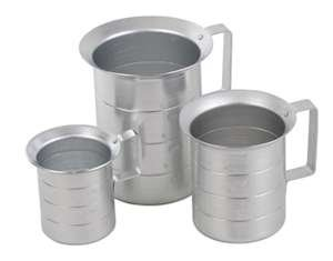 Royal Industries Liquid Measure Aluminum, 2 qt, Silver (Aluminum Liquid Measure)