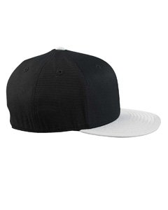 210 Fitted Flat Visor Cap BLACK/RED - S/M