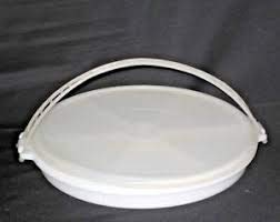 Vintage round vegetable tray with lid, no ()