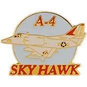 [Metal Lapel Pin - Aircraft Pin - WWII Navy & Marine Bomber - A-4 Skyhawk 1-1/2