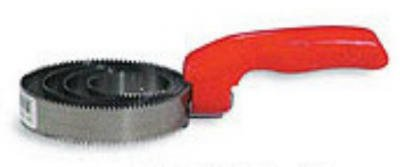 Decker 15-S Spring Curry Comb