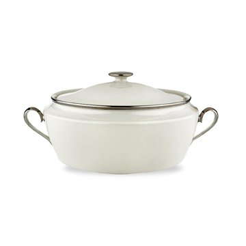 Solitaire Covered Vegetable Bowl Color: Ivory (Lenox Solitaire White Dinnerware)