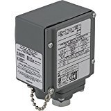 """Square D 9012GB Single-Stage Diaphragm-Actuated Pressure Switch, 13-425 psi Press. Range, NEMA 4, 4X, and 13 Enc., 1/4""""-18 NPTF Press. Connection, SPDT Contacts"""