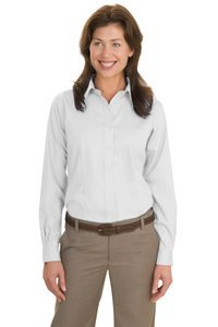 Port Authority Ladies Long Sleeve Non-Iron Twill Shirt in White, 1X-Large ()
