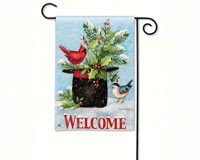 breezeart holly hat garden flag