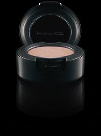 MAC Eye Shadow Phloof! (Mac Eyeshadow White)