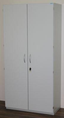 office akktiv Sortierschrank mit Flügeltüren und Sortiertisch - HxBxT 1864 x 913 x 440 mm, 39 Fächer lichtgrau RAL 7035 - Aktenschrank Fachbodenschrank Fachbodenschränke Flügeltürschrank Fächerschrank Postschrank Postschränke Postsortieranlage