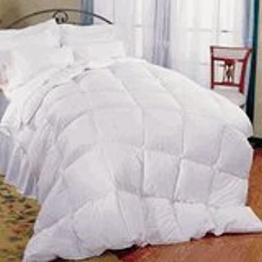 Pillowtex ® Classic Weight Down Alternative Queen Size Comforter