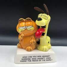 Garfield the Cat Figurine, Garfield and Odie Figurine 1983, Collectible Garfield How Can You Win Figurine 3-1/2