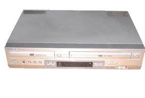 Sony SLV-D201P Progressive-Scan DVD-VCR Combo