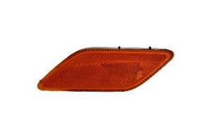 rcedes-Benz E350 Passenger Side Front Marker Lamp Assembly with Bulb and Socket ()