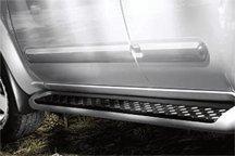 2010-2013 Nissan Frontier Crew Cab Body Side Moldings (Passenger Side / 2-Piece / Unpainted) 999G2-BR102SC ()