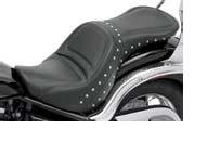 (Saddlemen Explorer Special Seat for Yamaha V-Star 650 Custom)