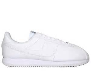 Basic Plain Leather - Nike Mens Cortez Basic Leather Casual Shoe White/White/Wlf Gry/Mtllc Slvr 7....