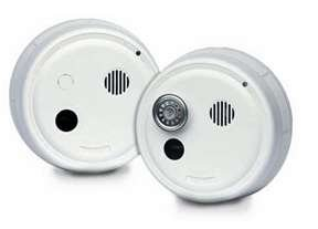(Gentex 8243PY Smoke Alarm, 24V Hardwired System Photoelectric Non-Latching w/A/C Contacts & T3 Horn (908-1214-002))