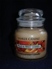 - Peach & Sweet Berries Yankee Candle 3.7 oz