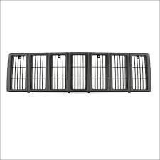 OE Replacement Jeep Cherokee/Wagoneer Grille Assembly (Partslink Number ()
