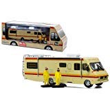 (NEW 1:64 GREENLIGHT COLLECTION - BREAKING BAD DIORAMA WITH WALTER & JESSE FIGURES WITH GAS MASK Diecast Model Car By Greenlight)