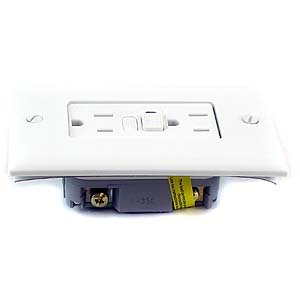 PASS & SEYMOUR 1595-W GFCI Duplex Receptacle Trip Light 1...