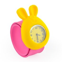 (South Korea Silicone Bugs Bunny Slap Watch jelly fashion watch pops ring table wholesale candy colored mice)