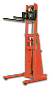 Presto-Lifts-Telescopic-Forklift-With-20-In-Load-Center-2000-Pound-Capacit