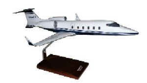 Daron Worldwide Trading H4835 Learjet 60 1/35 AIRCRAFT