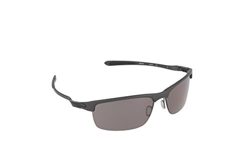 Oakley Men's Carbon Blade OO9174-07 Polarized Rectangular Sunglasses, Carbon Fiber, 66 - Sunglasses Blades