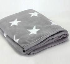 Decke Sterne fleece decke sterne hellgrau polyester 150 x 200 cm amazon de