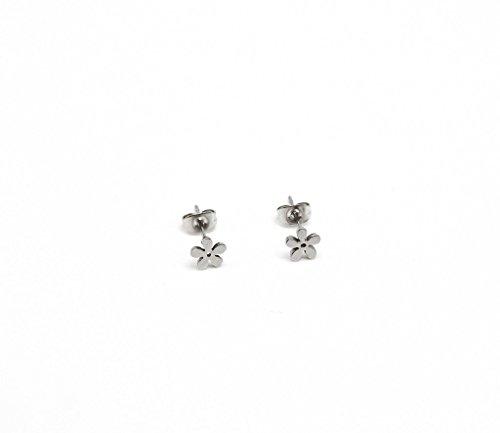 BO369E - Boucles d'Oreilles Mini Fleur Acier Argenté - Mode Fantaisie