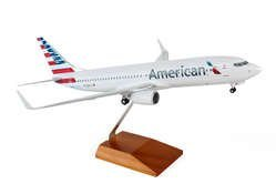 Daron Skymarks American 737-800 New Livery Aircraft (1/100 Scale)