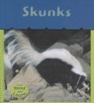 Skunks, Patricia Whitehouse, 158810883X