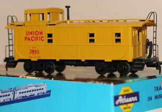 Athearn 1252 Cupola Union Pacific Caboose Kit Rd #3862 ()