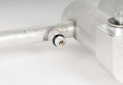 ACDelco 15-31865 GM Original Equipment Air Conditioning Compressor and Condenser Hose Assembly