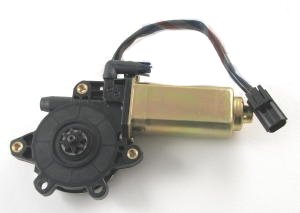 LAND ROVER DISCOVERY1 WINDOW REGULATOR MOTOR NEW PART# CUR100440 by Land Rover