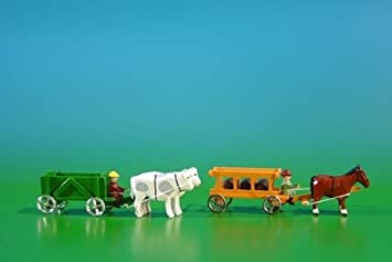 miniatura 2 de los cuadros de coche de las chapas fondas en verde con el buey, carga: vacie y las carretillas de mano en la naranja con los caballos, carga: 3 barriles de montañas de madera miniatura