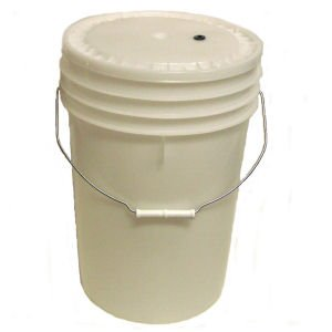 Brewmaster Brewcraft Homebrew Primary Fermenter with Plastic Lid, 6 Gal by Brewmaster