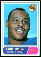 1968 Topps Regular (Football) Card# 200 Ernie Wright of the Cincinnati Bengals ExMt Condition