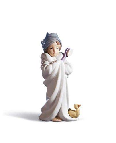 Lladro Bundled Bather Figurine by Lladr (Bundled Lladro)