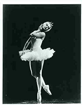 Photo Prima Ballerina Dancer Lupe Serrano