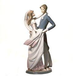 Lladró I Love You Truly Figurine