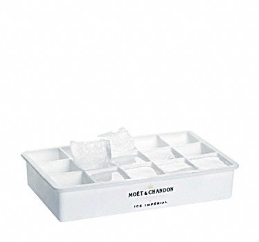 moet-chandon-ice-imperial-ice-cube-tray-mold-form-for-champagne-with-moet-logo-print