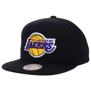 Mitchell   Ness Men s Los Angeles Lakers Wool Solid Snapback One Size Black ae92328e826a
